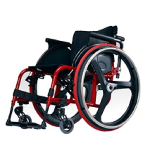 スポーツ用車椅子の技術を取り入れ軽快な操作性を実現しました