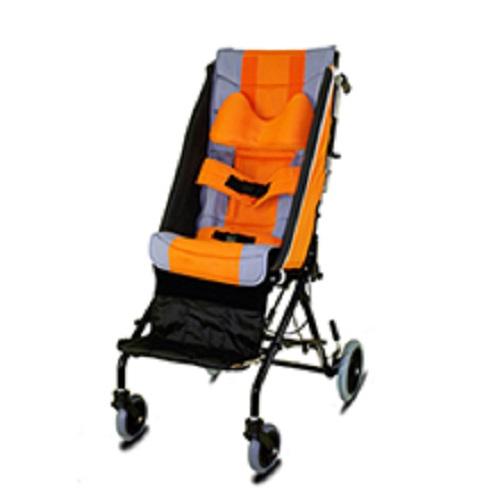 こぎやすさを考えて作られた車椅子